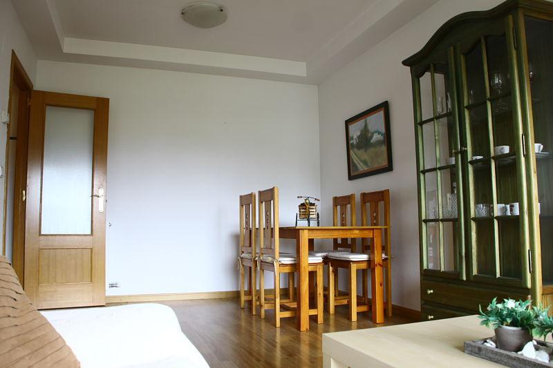 Mesa comer gestion de fincas y alquiler de pisos xandra for Mesa comer